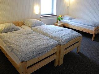 Möbliertes 1-Zimmer Appartement mit 3-Einzelbetten, zentrale Lage in Düsseldorf
