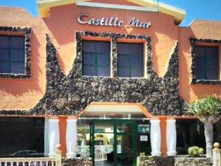 Castillo Mar - Poolside Duplex Apartment