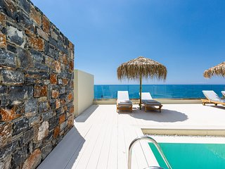 Luxury,Incredible Sea View,20m from Beach,Private pool,5 min to Plakias & tavern