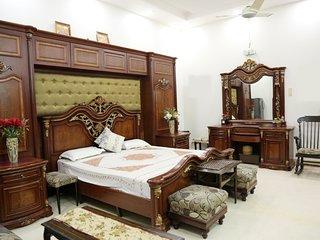 ♥♥ Ceasar's room at Chhattarpur | Pool+Indoor Gym