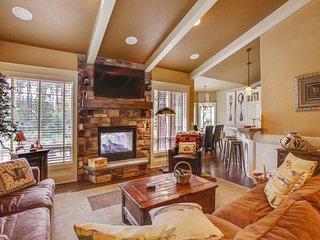Relaxing Home near Deschutes River w/ WiFi, Fireplace, BBQ & Ping Pong
