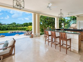 Caribbean Casas: Luxurious Villa Dulce up to 10 guests, just 2.5km to the beach!