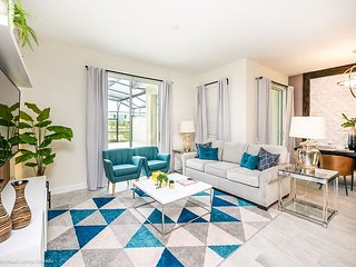 New 4BD/3BA townhome with pool at ChampionsGate!