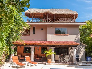 4BR Villa*Priv.Pool! Palapa! Steps to Beach&Town