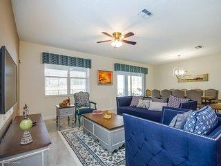 9032SD. Amazing ChampionsGate Resort 8 Bedroom 5 Bath Pool Home