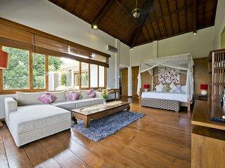 Villa Zolina - Luxury - Spacious 4Bedrooms. Kerobokan. Seminyak - Bali