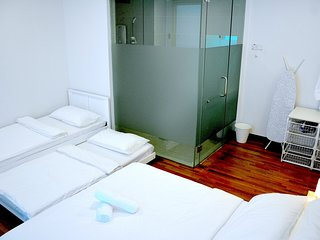 Duplex Family Suite 5 | Free WiFi | 5mins to Mid Valley