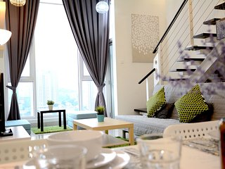 Duplex Family Suite 6 | Free WiFi | 5mins to Mid Valley