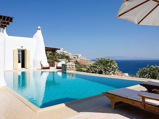 3 bedroom Villa in Mykonos, Central Greece, Greece : ref 5644597