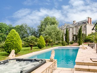 9 bedroom Chateau with Pool and WiFi - 5049809
