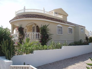 Lovely Detached Villa with large private pool