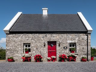 Murrays Traditional Irish Stone Cottage