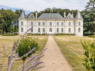 9 bedroom Chateau with Pool and WiFi - 5049775