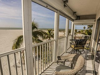 Beautiful Beachfront Escape at the south end of Ft. Myers Beach