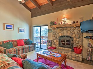 Woodstock Condo 1 Mile to Lake Tahoe: Hike & Ski!