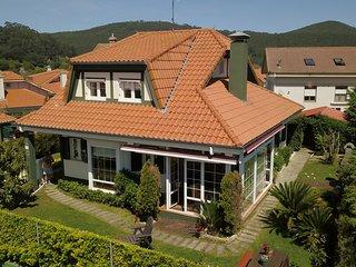 Chalet Casa Rural individual con Jardin privado