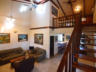 Tranquil & Secure 1BR Loft in Junquillal Close to Surf & Amenities