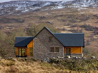 Luxury Self Catering Accommodation above the banks of Loch Awe