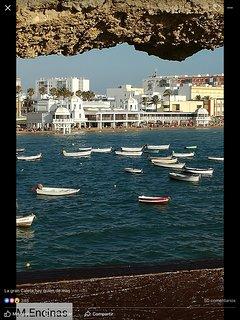 Vistas de la playa de La Caleta y Balneario de La Palma
