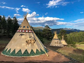 2-Lavish Glamping Tipi (22ft) at Bison Peak Lodge