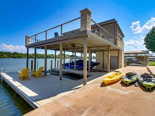 NEW LISTING! Waterfront home w/ shared pool, hot tub & dock - dogs OK!