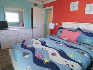 3 BEDROOM RENOVATED CORNER UNIT