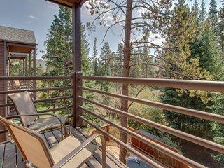 NEW LISTING! Ski-in/ski-out condo w/ shared hot tub - close to hiking & biking!