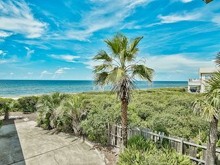 Steps to Beach in Small Private Gated Neighborhood in the Heart of Seagrove