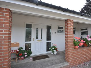 60103 Bungalow situated in Coleford (1ml NE)