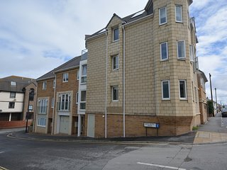 62333 Apartment situated in Westward Ho!
