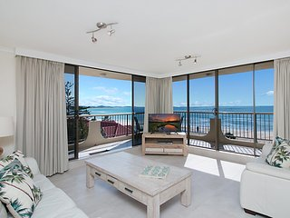 Kirra Gardens 17 - Kirra Point Beachfront