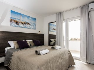 Apartments Albert - Deluxe Studio with Balcony and Sea View (A3)