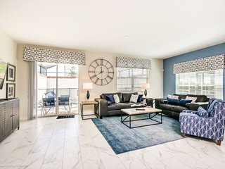 Luxury Furnished 5 Bedroom 8917SD