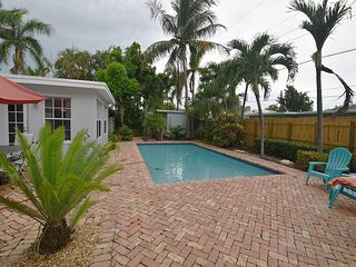 Two Bedroom, Two Bathroom Cozy Villa in Deerfield Beach