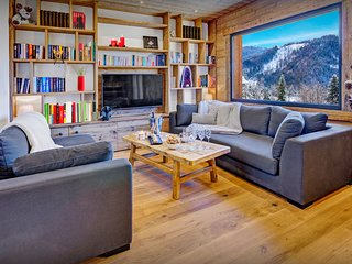 Ski back to this beautifully renovated chalet for 12 - OVO Network