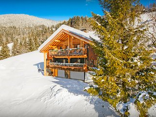 Enjoy the hot tub in the snow at this 3 star Alpine home - OVO Network