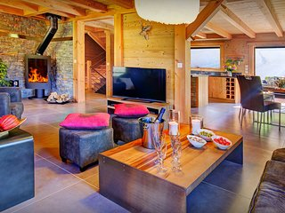 Peaceful French Alps ski chalet in the heart of great skiing - OVO Network