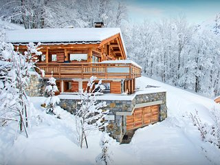 5 star luxury chalet with jacuzzi, exclusive location - SnowLodge
