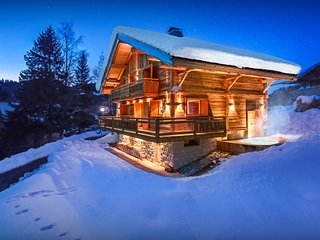 Great skiing just a walk away from this 4 star ski chalet - SnowLodge