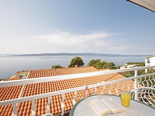 2 bedroom Apartment in Brela, Splitsko-Dalmatinska Županija, Croatia : ref 55624