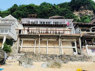 Let-It-B BLISS- Bingin Beach