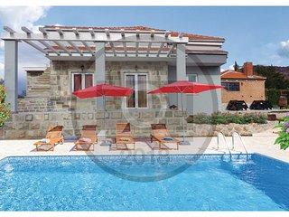 3 bedroom Villa in Dugobabe, Splitsko-Dalmatinska Županija, Croatia : ref 557426