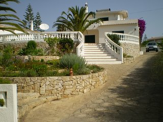 CASA DA PEDRA, PRAIA DA LUZ (3 bed/2 bath) Private swimming pool