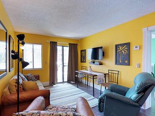 NEW LISTING! Colorful condo w/shared pool, hot tub & fitness center- near beach