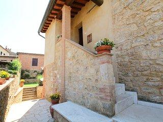 2 bedroom Apartment in Asciano, Tuscany, Italy : ref 5558588
