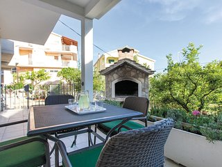 2 bedroom Villa in Podstrana, Splitsko-Dalmatinska Županija, Croatia : ref 55622