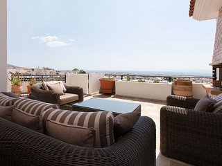 Fantastic 3 bdr Apt in Glyfada with Ocean View