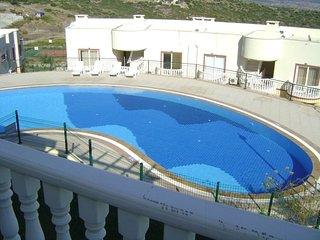BODRUM BEACH HOLIDAY APARTMENT WITH LAKE VIEW & 4 SWIMMING POOLS