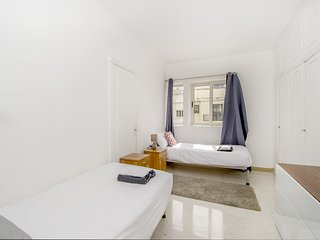 Precioso dormitorio doble lleno de luz