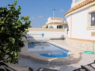 Casa Oso Blanco, 3 bed Execuitve Villa, private pool, sleeps 6-8